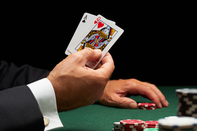 How To Win Some Money On Online Blackjack And Not Get Hooked